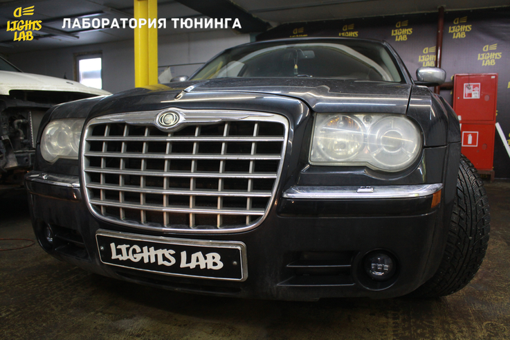 Тюнинг фар Chrysler 300c